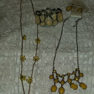 Necklace Yellow Gold NWOT/NWT